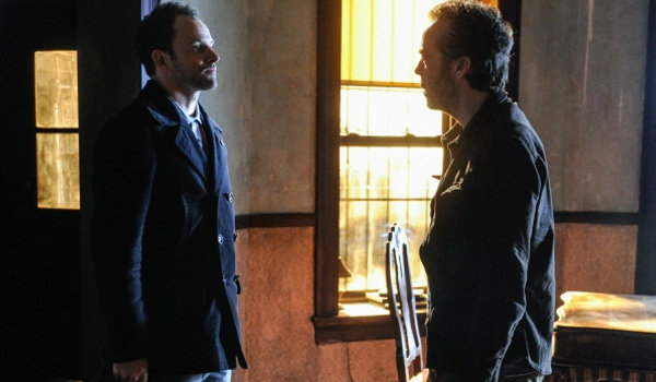 Elementary - A Giant Gun, Filled with Drugs