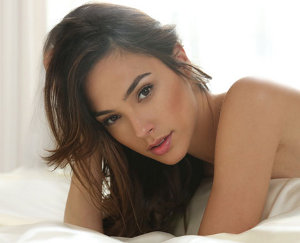 news-and-notes-1242013-gal-gadot
