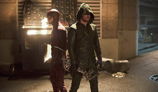 The Flash - Flash vs. Arrow