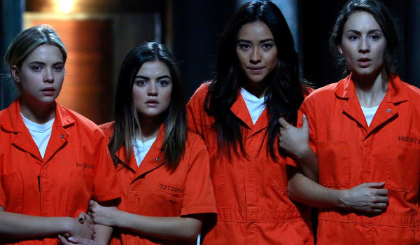 Pretty Little Liars - Welcome to the Dollhouse