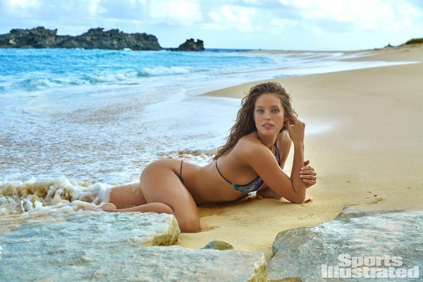 Sports Illustrated 2016 Swimsuit Model - Emily DiDonato