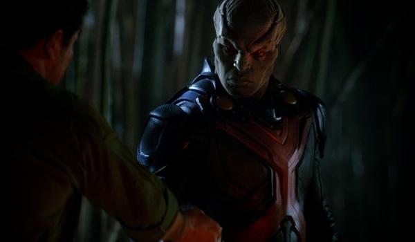 Supergirl - Manhunter