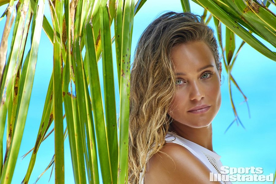 Sports Illustrated 2016 Swimsuit Model - Hannah Davis