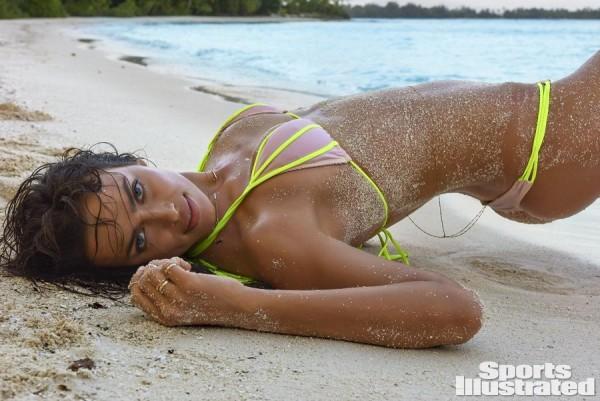 Sports Illustrated 2016 Swimsuit Model – Irina Shayk