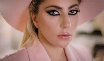 Lady Gaga – Million Reasons music video