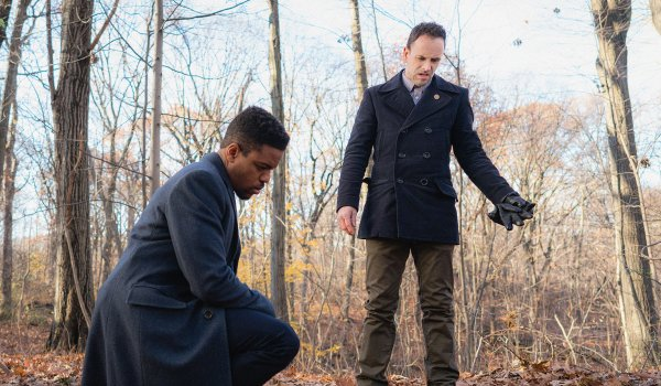 Elementary - Crowned Clown, Downtown Brown TV review
