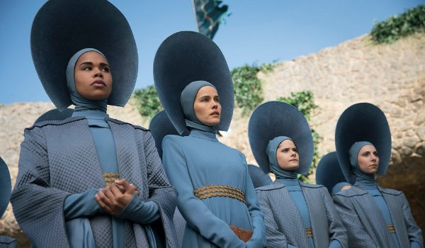 Emerald City - Beautiful Wickedness television review