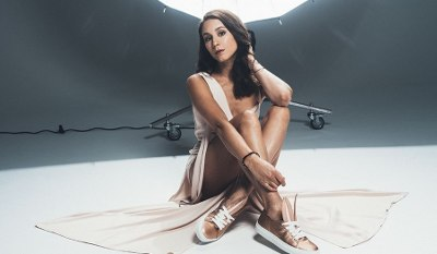 Troian Bellisario – Footwear News