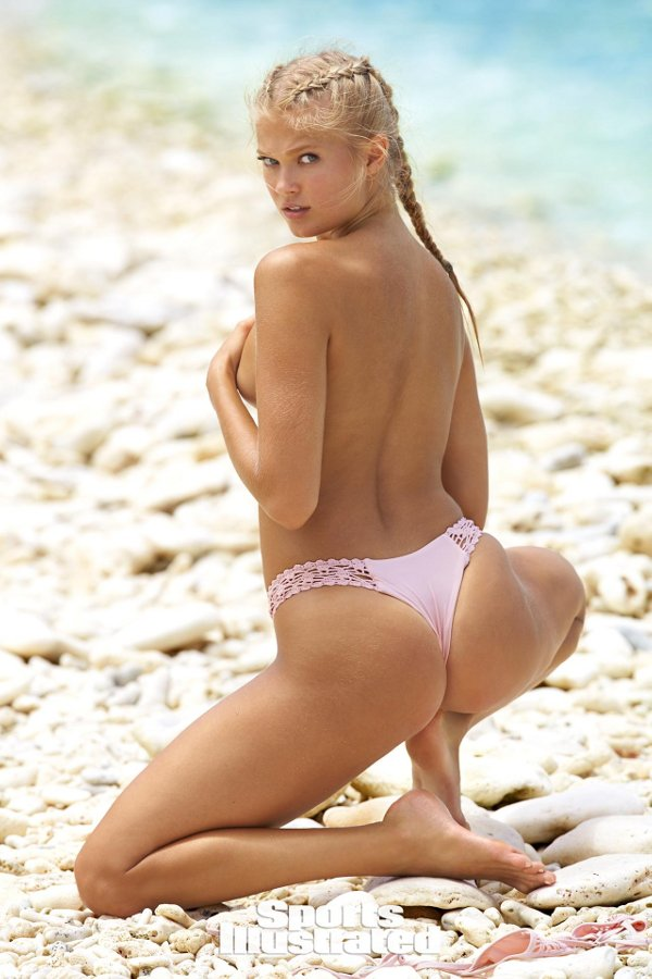 Sports Illustrated 2017 Swimsuit Model - Vita Sidorkina