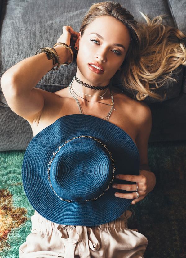 Ekaterina Murphy - B-Authentique (June 2017)
