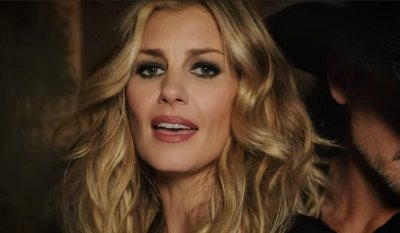Tim McGraw & Faith Hill – Speak to a Girl music video