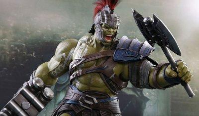 Thor: Ranarok Gladiator Hulk Sixth-Scale Figure