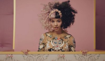 Melanie Martinez – Mad Hatter music video