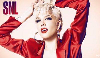Halsey – Bad At Love (SNL)