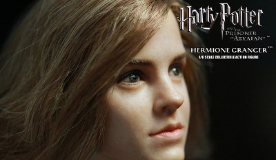 Hermione Granger (Hogwarts Uniform) Sixth Scale Figure