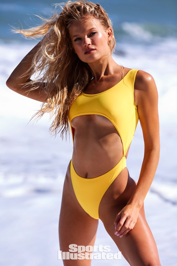 Sports Illustrated 2018 Swimsuit Model Vita Sidorkina