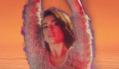 Calvin Harris & Dua Lipa – One Kiss music video