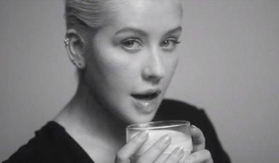 Christina Aguilera – Accelerate music video