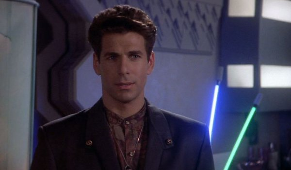 Babylon 5 – Signs and Portents television review