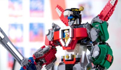 LEGO Voltron Defender of the Universe Designer Video Review