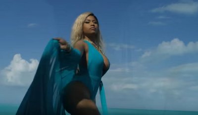 Nicki Minaj – Bed (feat. Ariana Grande) music video