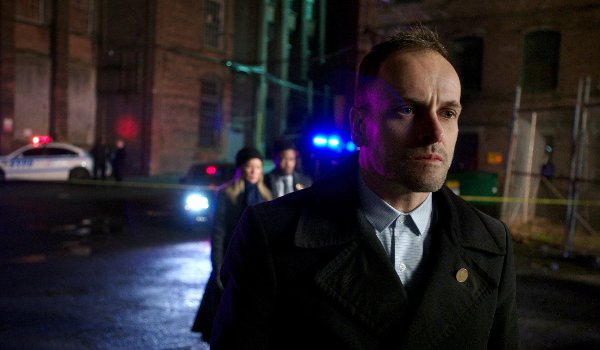 Elementary - Reichenbach Falls television review