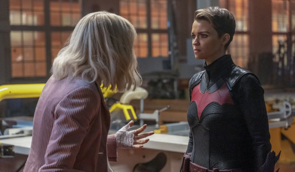Batwoman - How Queer Everything is Today! television review
